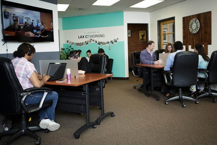LAX Coworking - Coworking Space